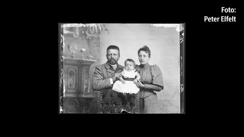 Thumbnail for entry Fotografiske fortællinger - Min familie